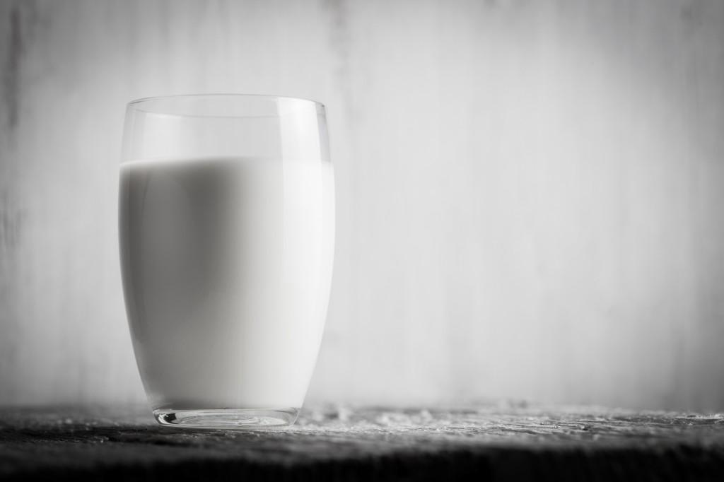 牛乳って本当に体に良いの?危険、体に悪いと言われる理由とは~子供のために知っておきたい正しい知識~