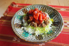 【簡単レシピ】おうちにある材料でパパッとできる「トマトたっぷりタコライス」