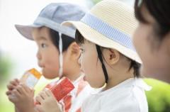 子供にジュース、どうしている?虫歯や肥満だけじゃない!ジュースの砂糖がイライラ、集中力の低下を招いている!?